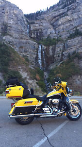 2012 Harley FLHTCUSE7 CVO Ultra Classic Electra Glide