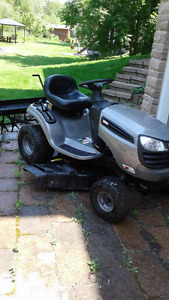 Lawn Tractor with Grass Catcher and Aerator
