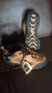 Red Head Gaston men's hiker shoes. Brand new !
