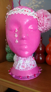 Breast cancer display head for gift or craft table display