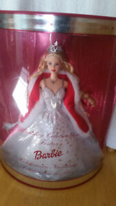 Limited Edition 2001 Holiday Celebration Barbie Doll New in Box!