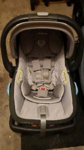 Uppababy mesa carseat and base