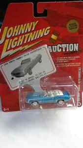 JOHNNY LIGHTNING WHITE LIGHTNING 1969 CHEVY CAMARO RS/SS CONV.