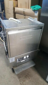 HOBART UNDER COUNTER DISHWASHER ( MINT CONDITION )