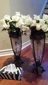 two beautiful decorative vase with a flower West Island Greater Montréal image 6