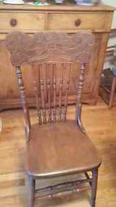 Solid Oak Antique Table and chairs Kingston Kingston Area image 4
