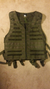 Paintball/Airsoft vest with 2x2 magazine carrier