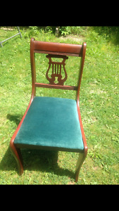 Duncan Phyfe Dining Chairs. VGUC