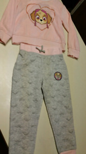4/5T Girls Paw Patrol outfit.  BRAND NEW WITH TAGS