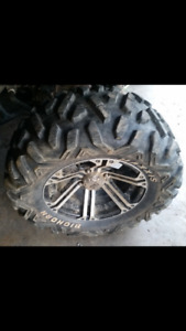 LOOKING FOR ONE MAXXIS   BIG HORN 26X11X14 ATV TIRE