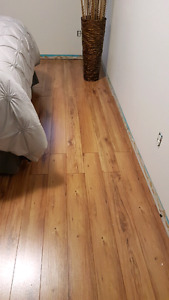 laminate flooring (slightly used)