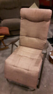 Fold-up Recliner Chair