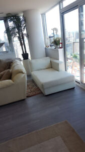 White Full Grain Leather Chaise Lounge