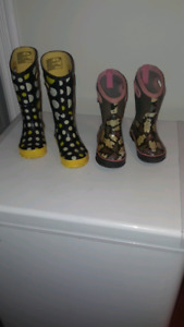 Girls  yellow rain boot  bogs  and pink winter bogs