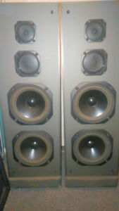 speakers a vendre sharp comme neuf
