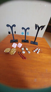 Earring lot (2)