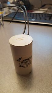 Advance Capacitor 70W HPS 28MFD 120V neuf new 7C280M12