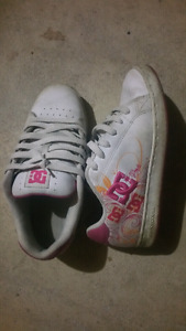 DC shoes, casual, skate. Size 7.
