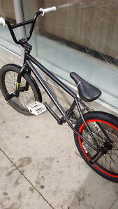 Selling custom fit Bmx for 200$