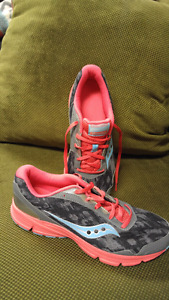 Womens Size 11 Saucony Running Shoes New