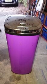 Purple electronic sensor bin, good working order