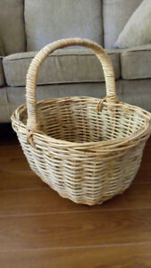 VERY LARGE WICKER BASKET with HANDLE