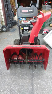 2 stage snow blower Briggs and Stratton engine $350 Obo