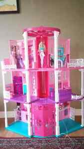 Barbie Dream House - Excellent Condition