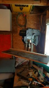 perceuse à colonnes / presse drill