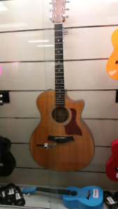 Taylor Acoustic Guitar 310-CE