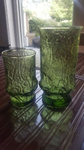 Mid Century Vintage Anchor Hocking Green Rain flower Glasses