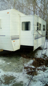 32 foot keystone camper