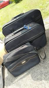 Ensemble de valises noires