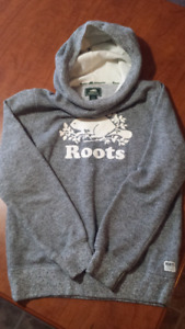 Roots sweat top
