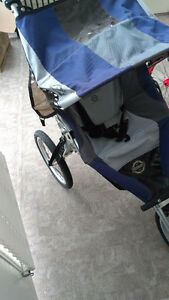 Three wheel stroller