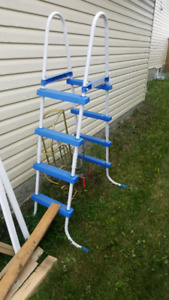 Free pool ladder..6ft tall, in good shape