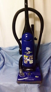 Aspirateur vertical Dirt Devil