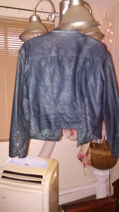 GUESS LEATHER JACKET SIZE LARGE