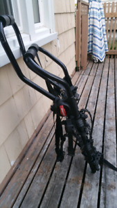 Yakima 3 bike hang out rack $100