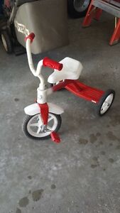 Kids Tricycle Peterborough Peterborough Area image 2