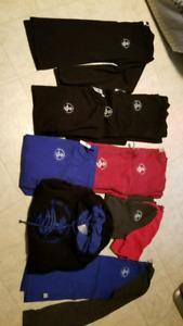 Lot uniformes école secondaire Du Coteau Mascouche