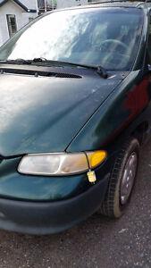 1994 Dodge Caravan Minivan, Van