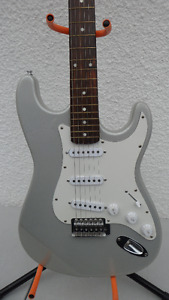 Stratocaster Electric Guitar Unknown Maker $100
