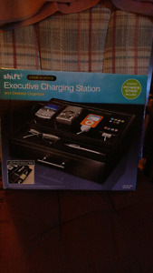 Executive charging station REDUCED! 35$