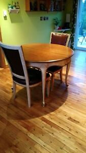 Queen Anne dining table and chairs