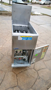 RESTAURANT*PITCO DEEP FRYER*ONLY395