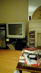 Tv ... excellent condition!!!.....10$.  Cash and Carry!!!