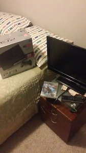 "LNIB 320GB PS3 with 24"" HDTV (+1 game) cheap"