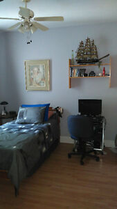 Room to rent - chambre a louer