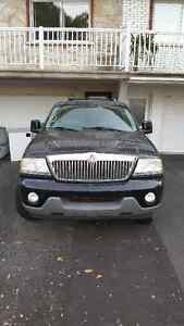 2005 Lincoln Aviator noir VUS